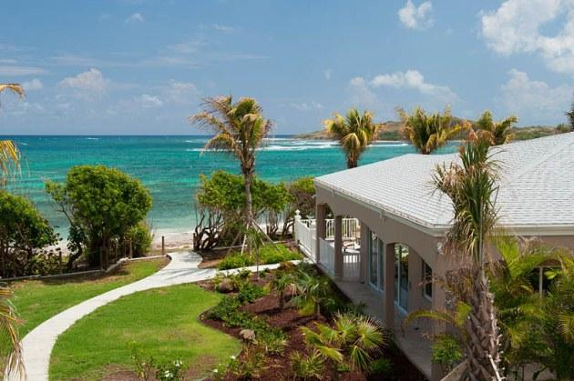 Cruzan Sands Villa - Right on the Beach! - New! Cruzan Sands Villa! Beachfront! Pool! 3 BR! - Christiansted - rentals