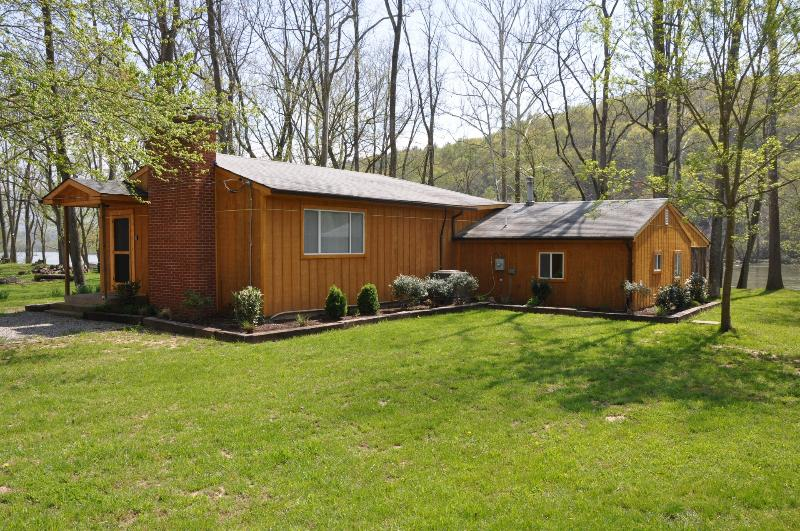 River front cabin with beautiful forest views - Shenandoah Stars Riverfront Cabin - Luray - rentals