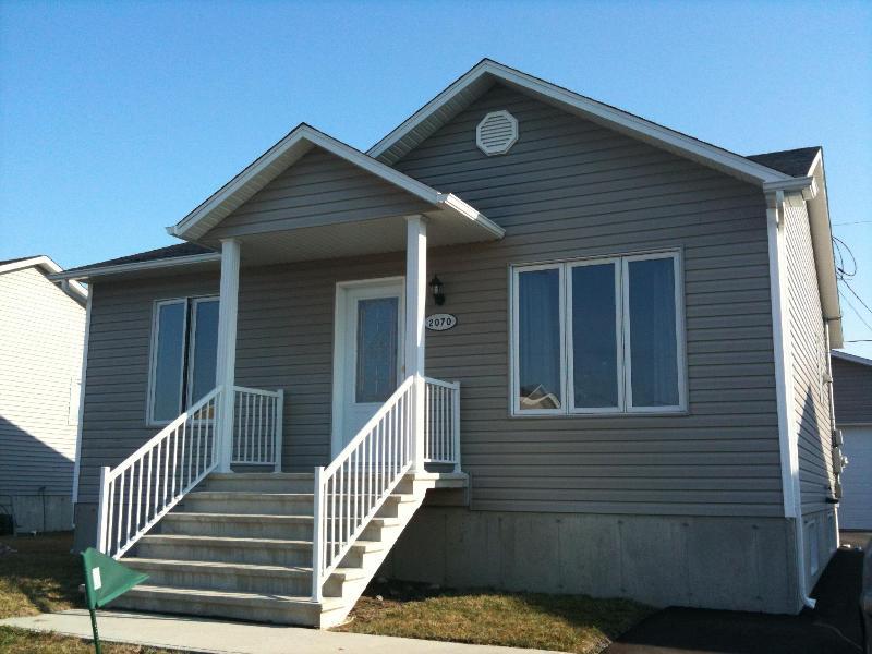 New house between Montreal and Quebec City - Image 1 - Drummondville - rentals