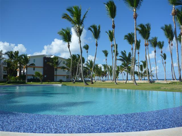 THE MAIN POOL - LAS DUNAS Beachfront 2 BR CONDO- OCEAN VIEWS - Punta Cana - rentals