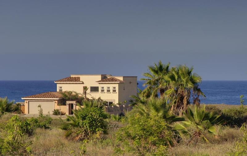 Casa Cathy Villa on the beach - BEST DEAL- BEACHFRONT TODOS SANTOS 5  BR VILLA - Todos Santos - rentals
