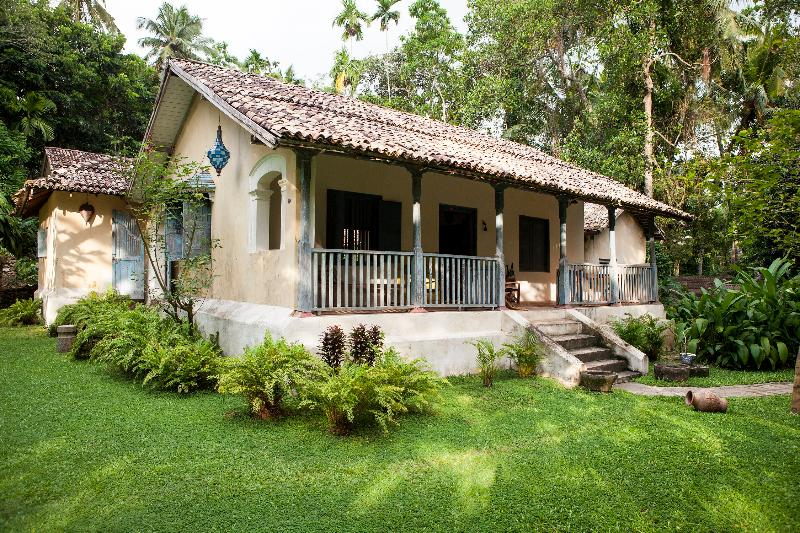 The Front of the House - Hempel House - Galle - rentals