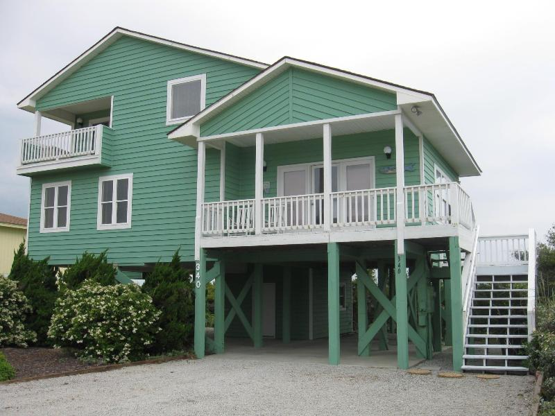 Beautiful Quiet Home on Oak Island - Image 1 - Caswell Beach - rentals