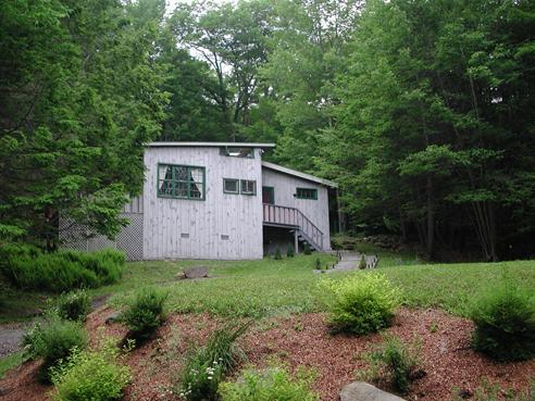 front of house - charming woodstock cottage with outdoor hottub - Willow - rentals