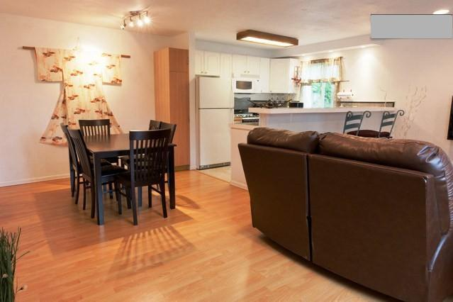 Dining area & kitchen - 2br Quiet, private near Gaslamp, Convention, Zoo - Pacific Beach - rentals