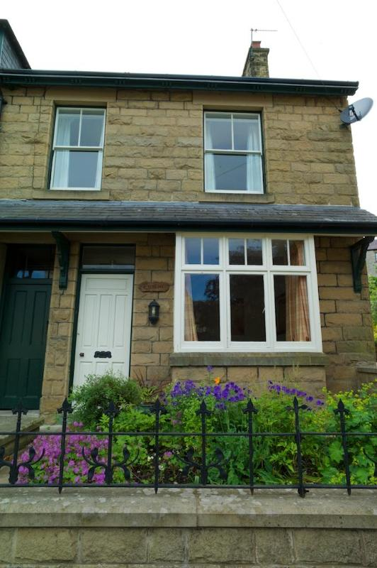 4 Bedroomed Victorian House in heart of Tideswell - Image 1 - Tideswell - rentals