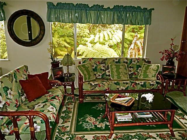 upstairs living space - Ainani Jade Ohana- from $115/night for 2 guests! - Volcano - rentals