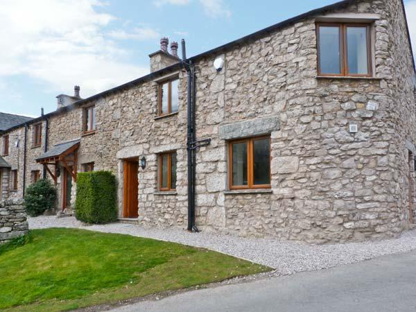 CARR BANK COTTAGE, spacious holiday cottage, quality, en-suites, woodburning stove, in Carr Bank near Arnside, Ref 11429 - Image 1 - Arnside - rentals