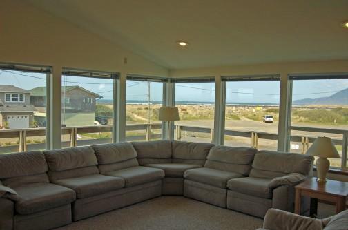 Dunstan's, Ocean View, 1/2 Block to Beach, Wi-Fi - Image 1 - Rockaway Beach - rentals