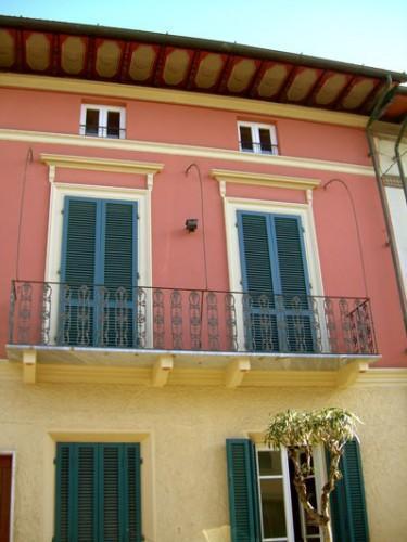 a 1920  art nouveau facade - Oberdan, A Cozy Countryhouse, Central by the Sea - Viareggio - rentals