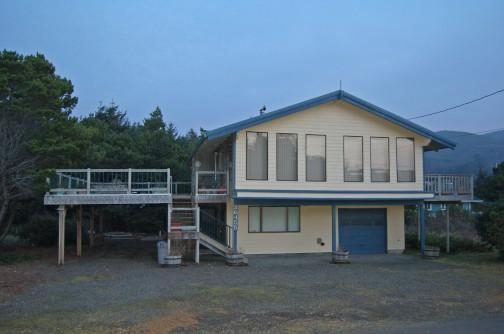 Dutch Retreat in Nedonna Beach - Image 1 - Rockaway Beach - rentals