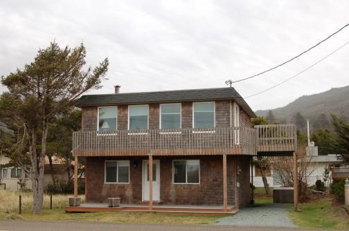 Lapp's House - Three bedroom ocean view home, WiFi - Image 1 - Rockaway Beach - rentals