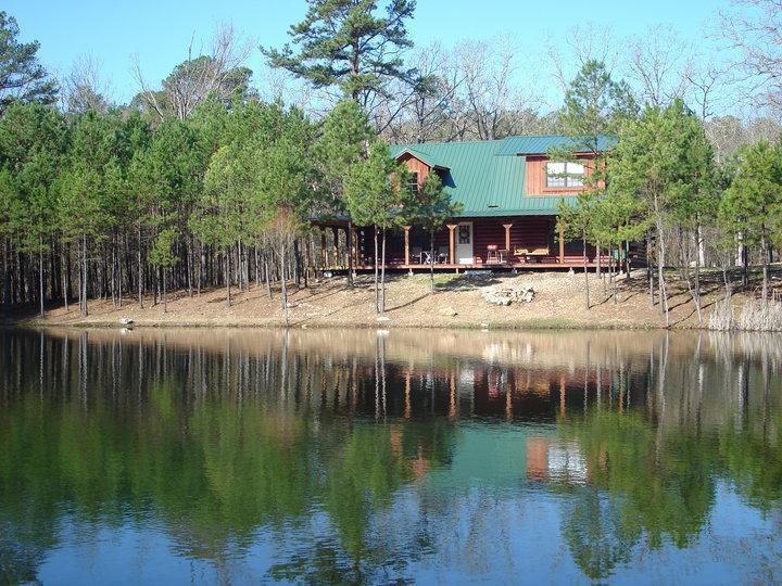 Large pond - Antler Cabin at Broken Bow Lake, Okla. - Broken Bow - rentals