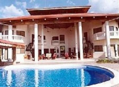 Exterior View with Pool - Villa Vista de Oro - Playa Ocotal - rentals