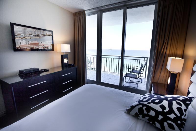 Ocean View from bedroom - 3 BEDROOM OCEANFRONT @ DOUBLETREE OCEAN POINT - Miami Beach - rentals