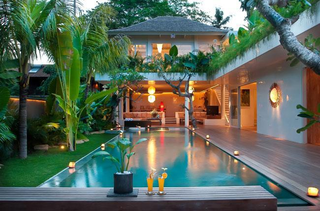 Umah Pesisi - The Villa from the entry - Umah Pesisi - 3 Bedroom Pool Villa in Canggu - Canggu - rentals