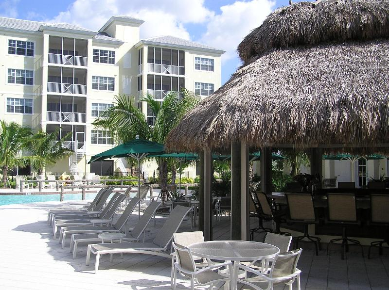 Chickee bar and pool - Sun Pearl - Bonita Springs - rentals