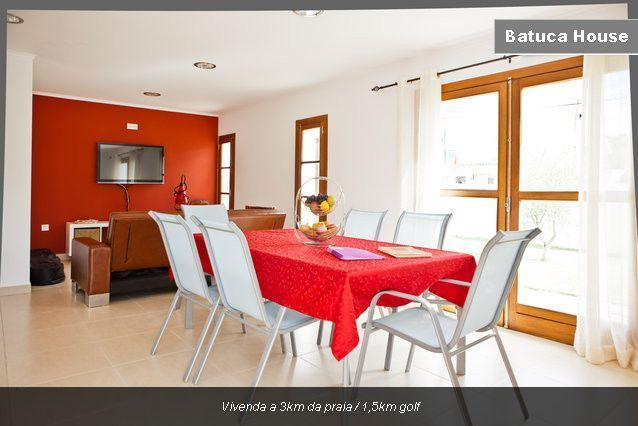 Villa from 3km of beach and 1,5km of golf (Wi-Fi) - Image 1 - Costa da Caparica - rentals