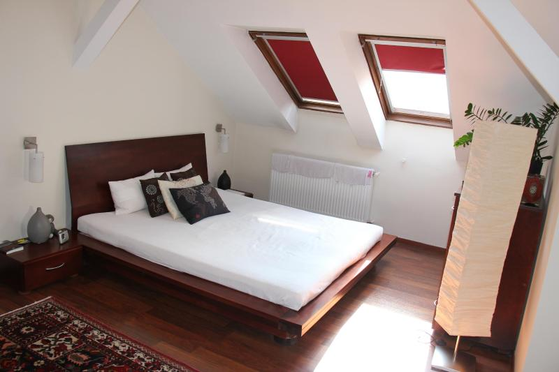 Master bedroom - for a perfectly quiet and comfortable sleep - Budapest Chain Bridge Apartment - 130 m2 - Budapest - rentals