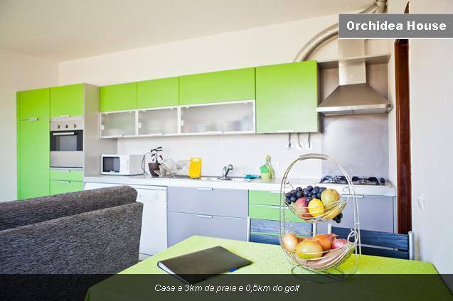 House 3km from the beach - Orchidea Batuca - Image 1 - Costa da Caparica - rentals
