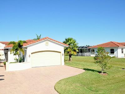 Villa BlueLagoon - Villa BlueLagoon Spacious duplex villa on the lake - Port Charlotte - rentals