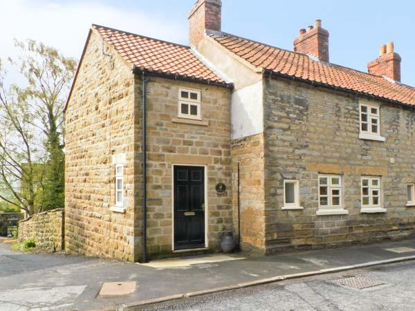 THE COTTAGE, woodburning stove, beams, with conservatory in Ampleforth, Ref 12537 - Image 1 - Ampleforth - rentals