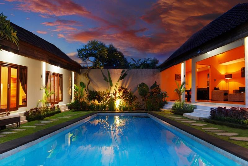 Villa Mila Swimming pool and garden view 2 - Villa Mila , Seminyak - Bali - Seminyak - rentals