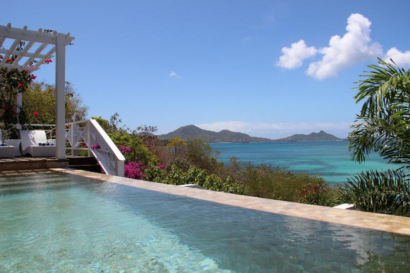A pool with a view at La Pagerie - La Pagerie in Carriacou - Carriacou - rentals