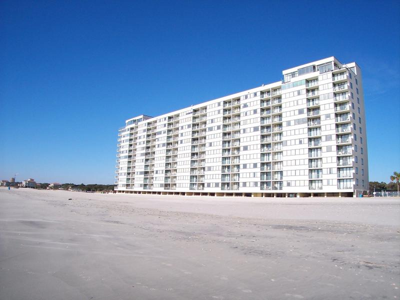 sands beach club building - Great Deal for Stunning Myrtle Beach Condo with a Hot Tub - Myrtle Beach - rentals