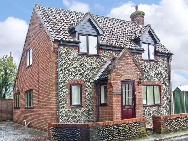 THISTLEDEW, a detached cottage, with three bedrooms, open fire, and courtyard garden, Ref 15502 - Image 1 - Briston - rentals