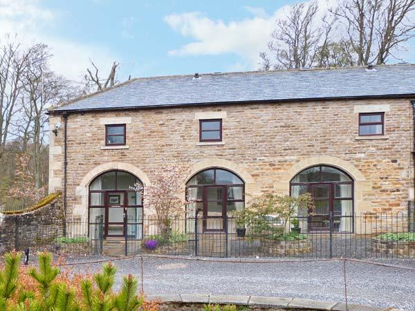NO 1 COACH HOUSE, family cottage with a shared garden and lovely garden views, near Middleton-in-Teesdale, Ref 14154 - Image 1 - Middleton in Teesdale - rentals