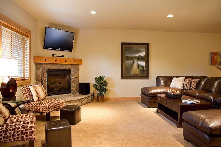 Living Room - Listing #392174 - Grand Lodge Group Lodging-Nearby Hiking & Kayaking - Government Camp - rentals
