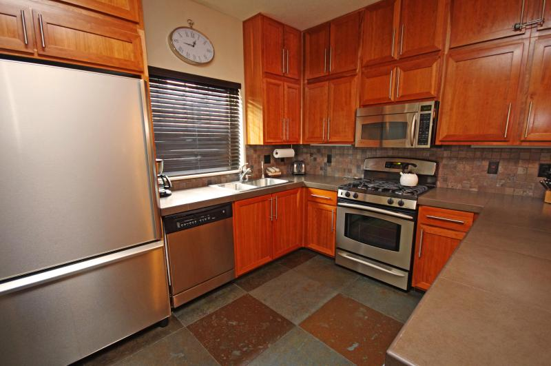 Fully Equipped Kitchen - Listing #392175 - Collins Lake Resort - No cleaning fee, Ski Free! - Government Camp - rentals