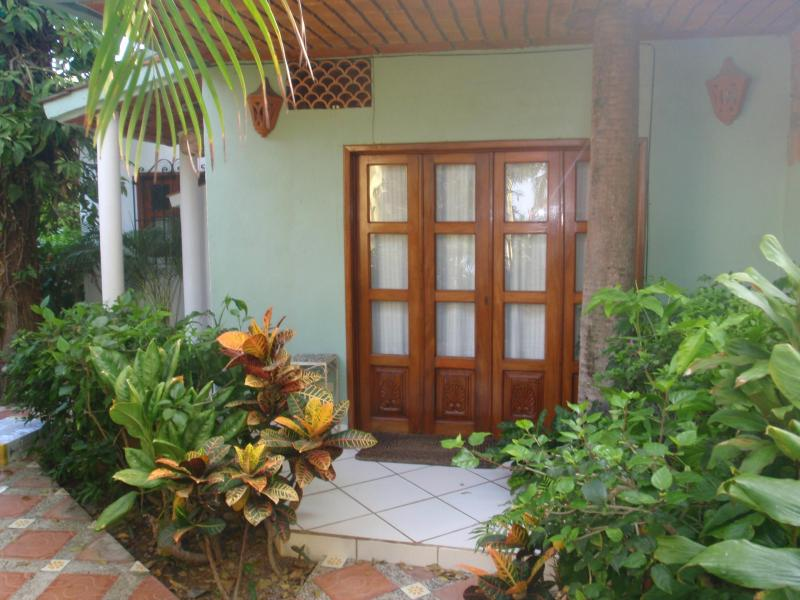 Front patio doors - Beautiful beachhouse in Bucerias with rooftop deck - Bucerias - rentals