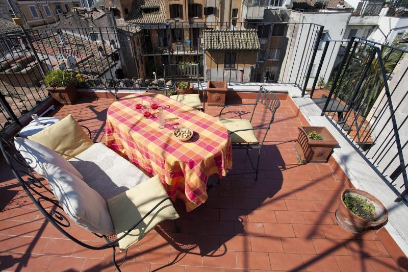 An apartment with a panoramic terrace in Rome's historic district - Image 1 - Rome - rentals