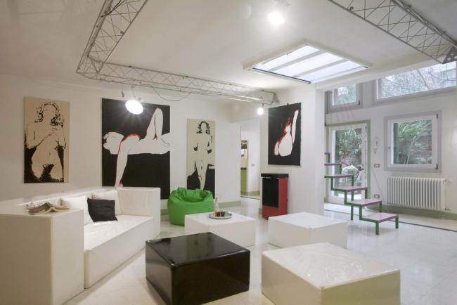 A modern and sunny apartment with a garden in the Dorsoduro district. - Image 1 - Venice - rentals