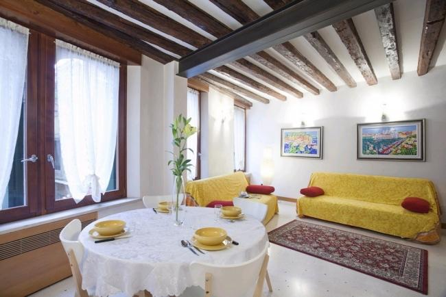 A comfortable, bright, and modern apartment in the Cannaregio district - Image 1 - Venice - rentals