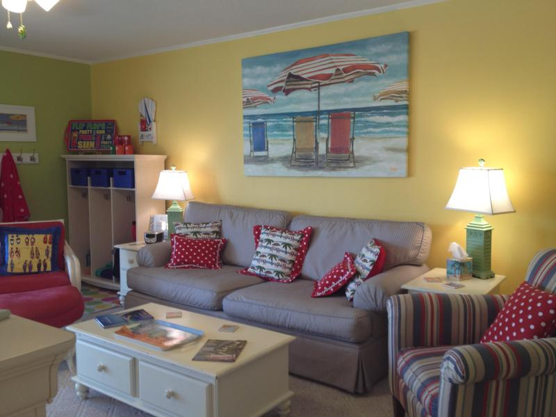 Brightly Decorated Comfortable Living Room, Custom Valence, Pillows, New Lamps and Decor - Fabulous Ocean Views + Festive Beach Decor = FUN - Surfside Beach - rentals