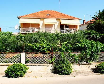 Apartment Mira for 9 persons - Image 1 - Zadar - rentals