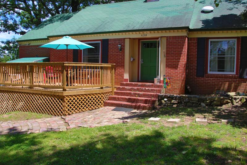 Great family rental,  Plenty of room  1 mile from historic district- two story - Image 1 - Hot Springs - rentals