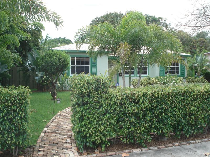 "Spectacular Cottage ""New England"" - Image 1 - West Palm Beach - rentals"