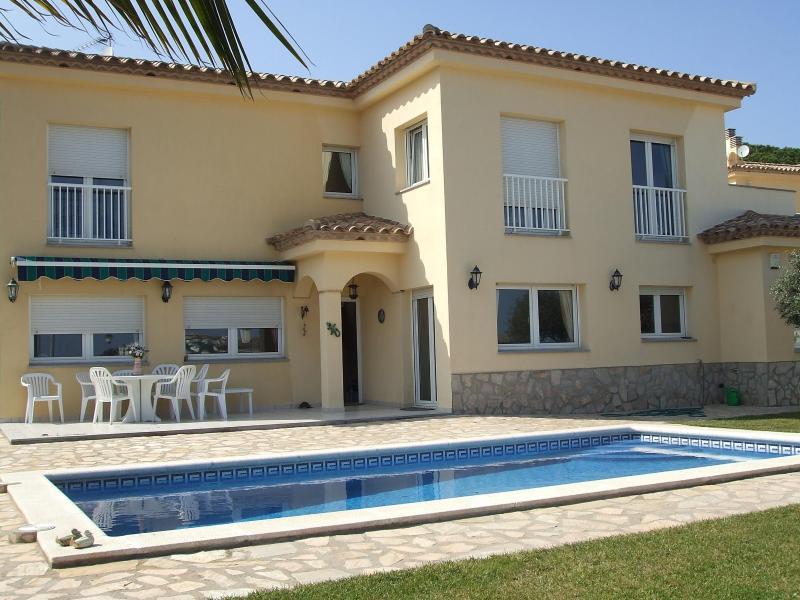 Villa Aguas - Image 1 - L'Escala - rentals
