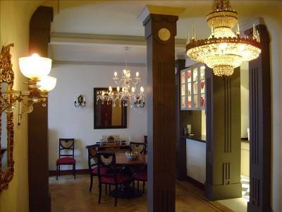 Elegance: the entry looking into the dining room. - Experience Buenos Aires Golden Age. Historical apt - Buenos Aires - rentals