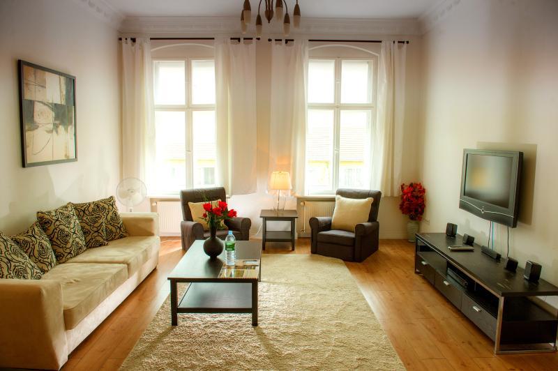 Comfortable, Homey 2 Bedroom Apartment in Berlin - Image 1 - Berlin - rentals