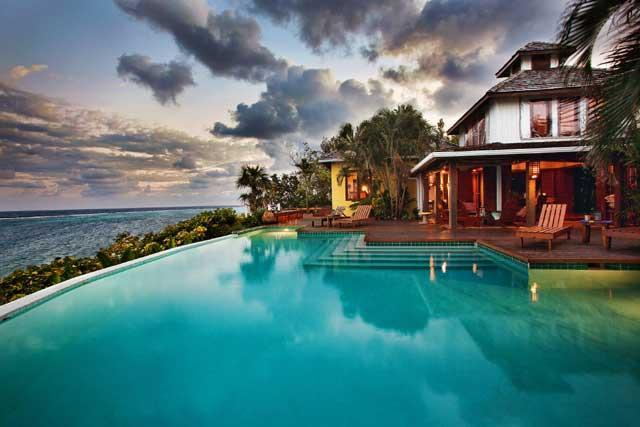 Incredible luxury. Four suite villa on a private estate. Includes use of a car no extra charge - Fuego Del Mar: Oceanfront Villa on Private Estate. - Roatan - rentals