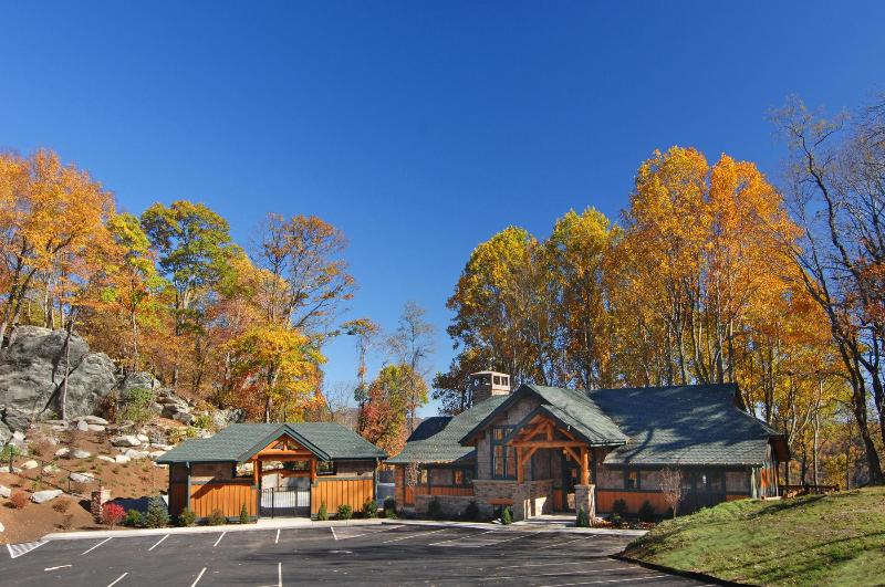 Echota on the Ridge Clubhouse - Chatham Trade - hot tub - pet friendly - Boone - rentals