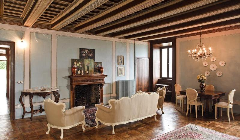 Living room - Eighteenth-century dwelling in a dominant position - Montedinove - rentals