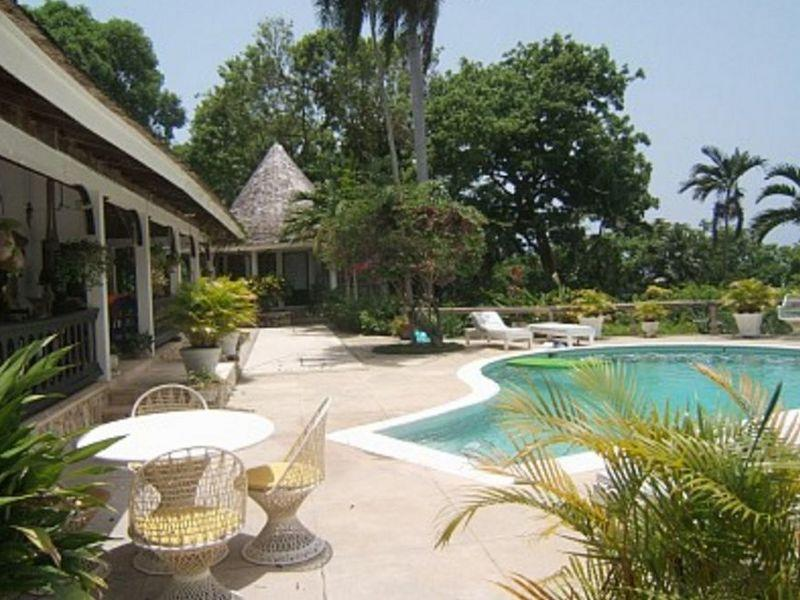 PARADISE PSK - 43463 - TRADITIONAL 4 BED JAMAICA VILLA - MONTEGO BAY - Image 1 - Montego Bay - rentals