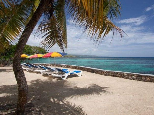 PARADISE PGO - 43547 - SPECTACULAR VIEWS   9 BED   OCEANFRONT VILLA - PERFECT GARDENS AND POOL -  OR - Image 1 - Ocho Rios - rentals