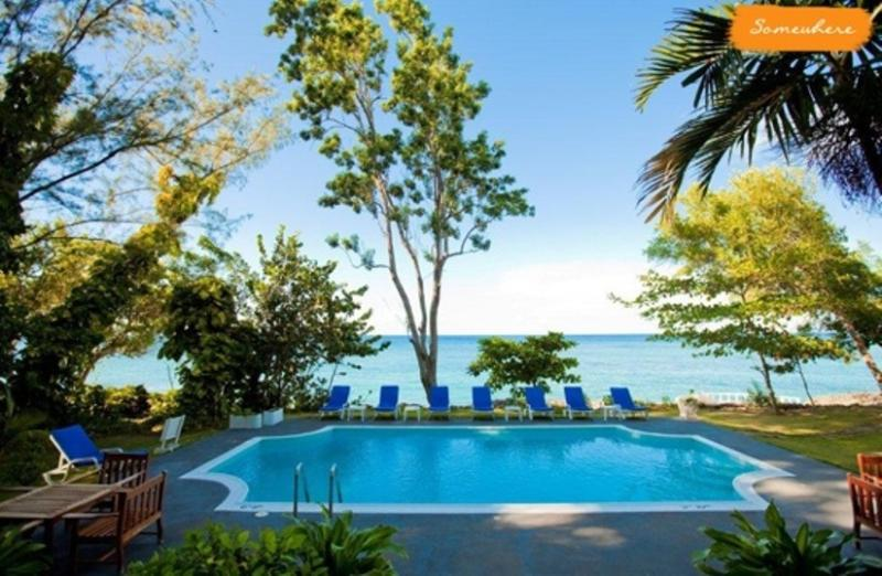 PARADISE PSW - 43623 - INVITING | 4 BED | OCEANFRONT | FAMILY VILLA | EXCELLENT SERVICE - OCHO RIOS - Image 1 - Ocho Rios - rentals